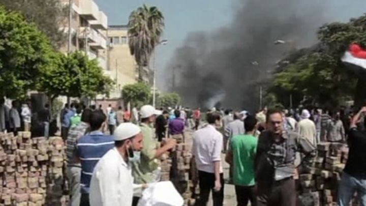 Dos muertos en las protestas de los islamistas egipcios contra el golpe
