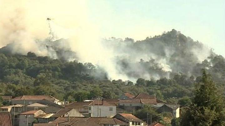 Estabilizado y sin llama el fuego de  Rianxo (A Coruña), que quemó 140 hectáreas