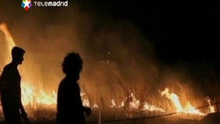 La UME se incorpora a las labores de extinción del incendio de Pontecaldelas