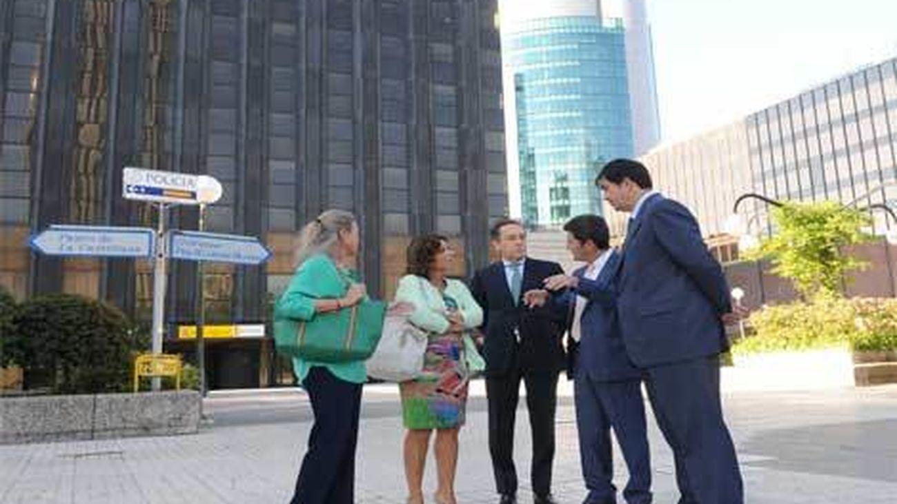 Botella se reúne con empresarios de Azca para iniciar una reforma de la zona