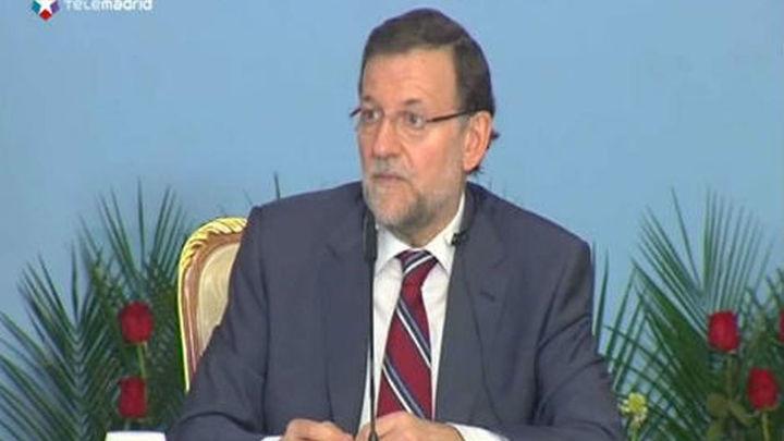 """Rajoy espera que Italia resuelva """"sus problemas"""" porque influyen en la prima de riesgo"""