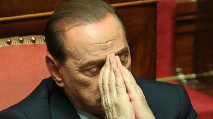 Berlusconi comienza a cumplir su condena con trabajo social en un centro de Milán