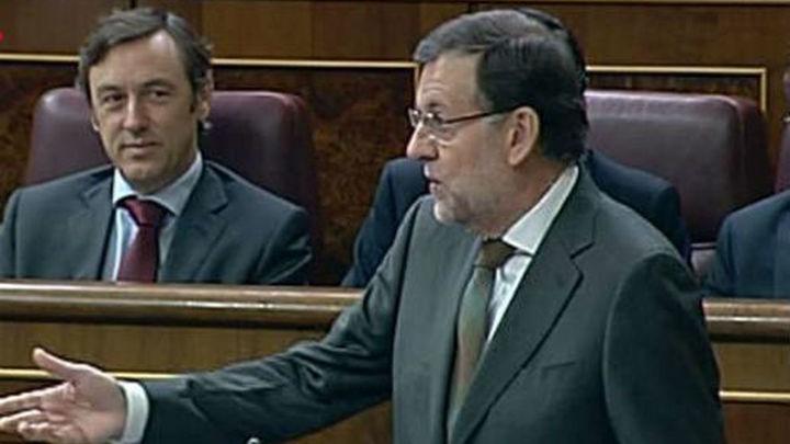 Rajoy insiste en que su política llevará a crecer y crear empleo en 2014
