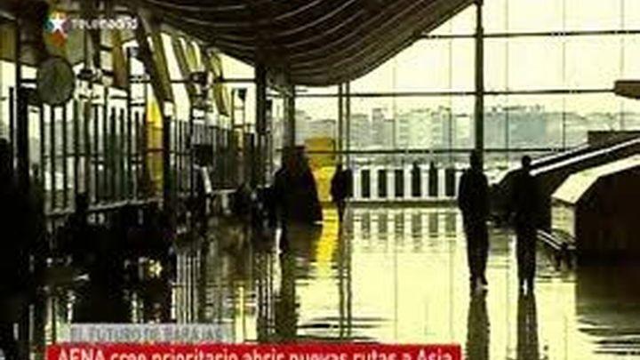 Madrid confía en la introducción de compañías low cost en Barajas para su recuperación