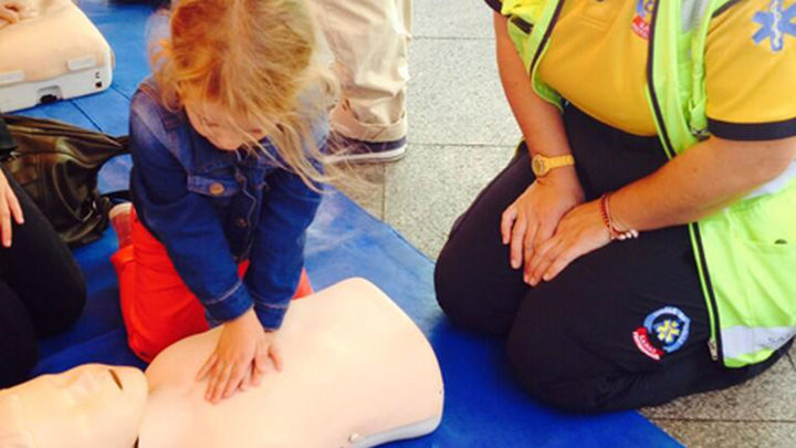 El SAMUR isaca a la calle sus cursos de reanimación cardiopulmonar