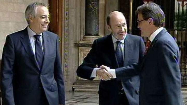 """Rubalcaba ofrece a Mas """"votar"""" sobre la reforma constitucional y olvidar la consulta"""