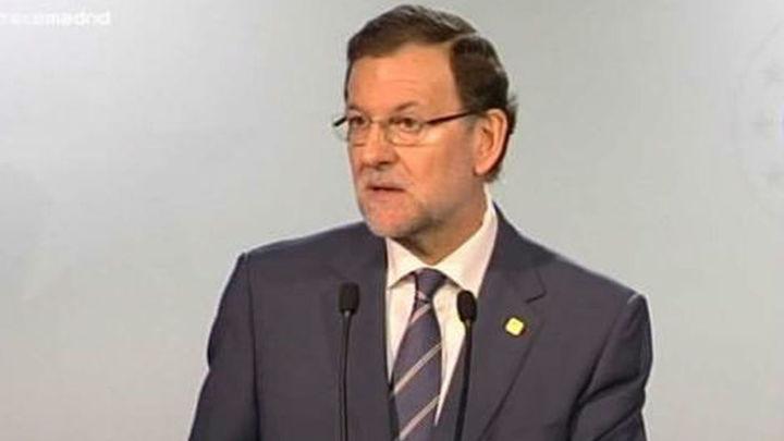 Rajoy descarta reformar la Constitución que Rubalcaba ofrece a Mas por la consulta