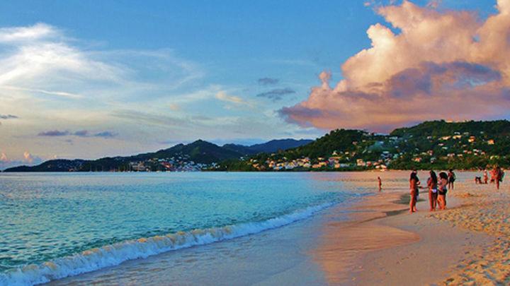 Una británica toma un avión a Granada y llega por error a la isla caribeña de Grenada