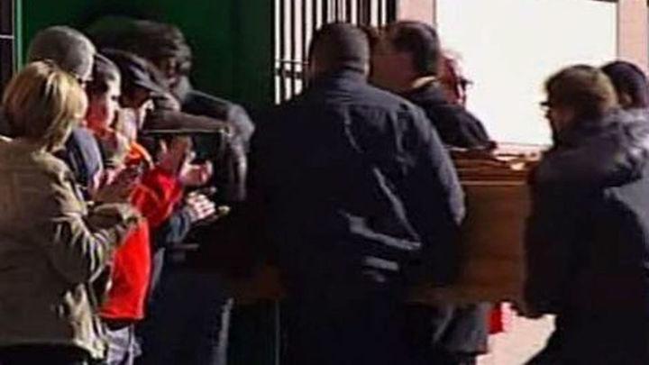 Unas 5.000 personas despiden a los mineros fallecidos, en un funeral conjunto en León