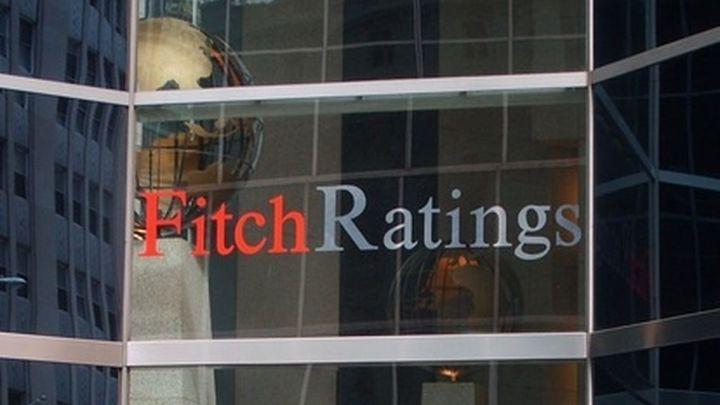 Fitch eleva la nota a España ante la mejoría de las perspectivas económicas