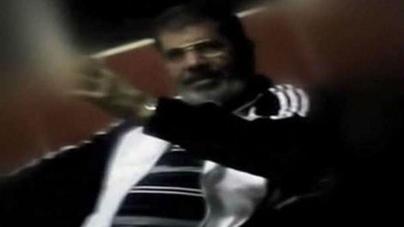 Mursi es trasladado a la cárcel y su juicio es aplazado al próximo 8 de enero