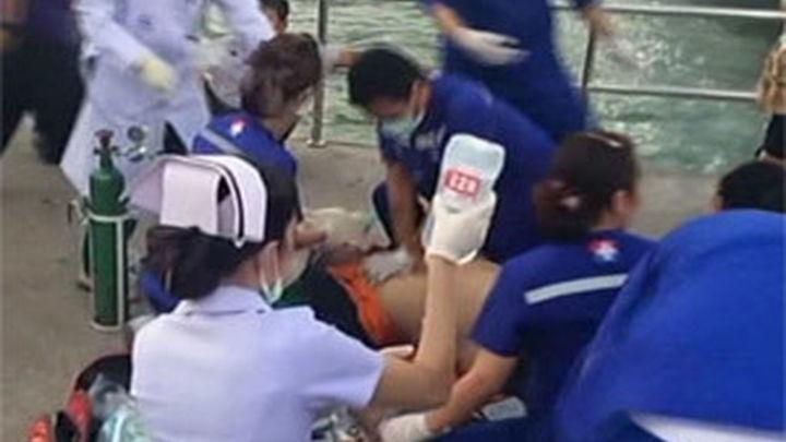 Se elevan a siete los muertos al hundirse un barco con turistas en Tailandia