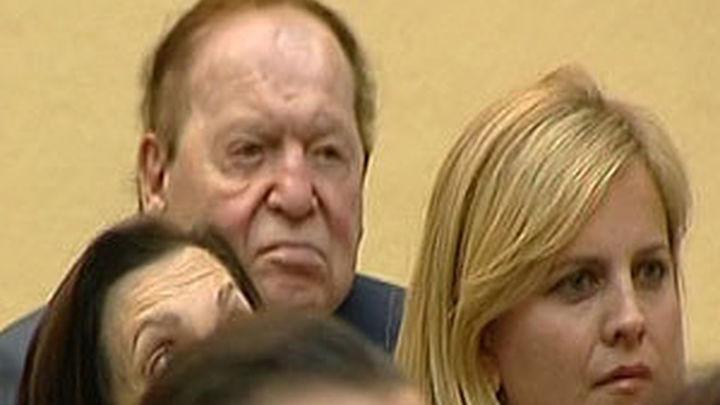 Sheldon Adelson, promotor de Eurovegas, asiste a una audiencia con el Rey