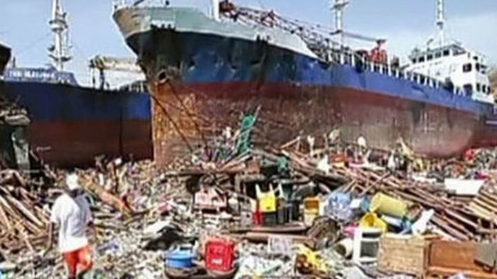 Más de 10.000 muertos en Filipinas a causa del supertifón 'Yolanda'