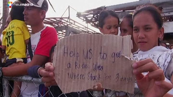 Los muertos en Filipinas por el tifón Haiyan ya superan los 2.200