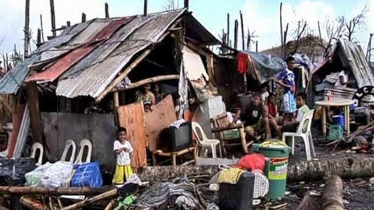 Casas destrozadas por el tifón de Filipinas