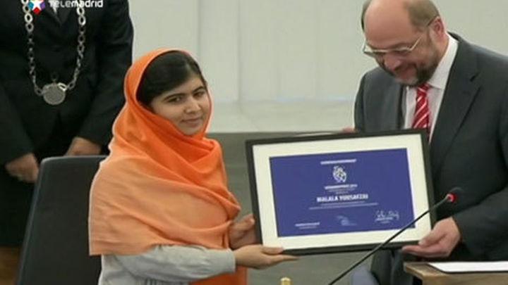 """Malala dedica el premio Sájarov a """"los héroes sin nombre de Pakistán"""""""