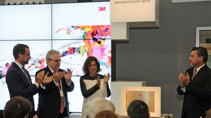 Botella inaugura el centro de innovación de la multinacional 3M