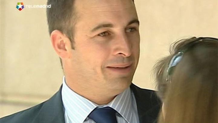 El exdiputado vasco Santiago Abascal deja el PP y acusa a Rajoy de traición