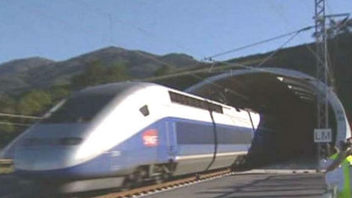 Renfe y SNCF venden 2.000 billetes del AVE  a Francia en las primeras horas de venta