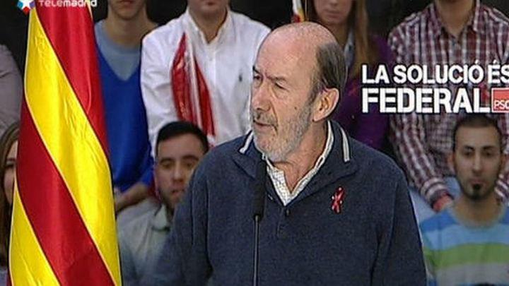 """Rubalcaba defiende la reforma federal ante los """"separadores y separatistas"""""""