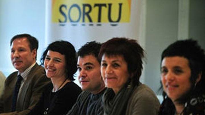 El Gobierno entrega a la Fiscalía informes con indicios para ilegalizar a Sortu