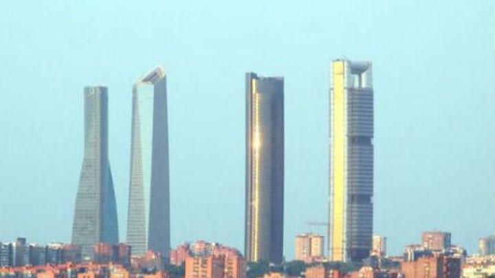 La crisis obliga a los rascacielos de Madrid a rebajar sus rentas un 40%
