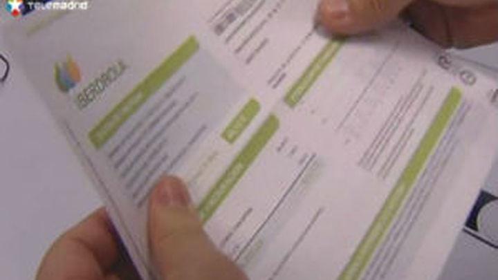 Las eléctricas devolverán unos 34 euros por hogar para compensar el trimestre