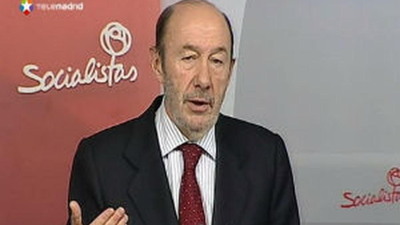 """Rubalcaba a Rajoy: """"Hable, explique y no nos mande callar a los demás"""""""