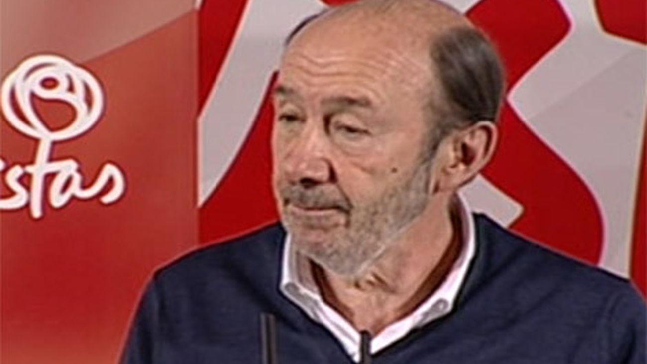 Rubalcaba pide al PP que no haga campaña electoral en Cataluña