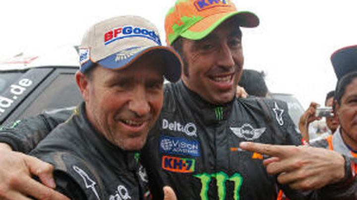 Dakar: Mini da órdenes de equipo para asegurar la victoria de 'Nani' Roma