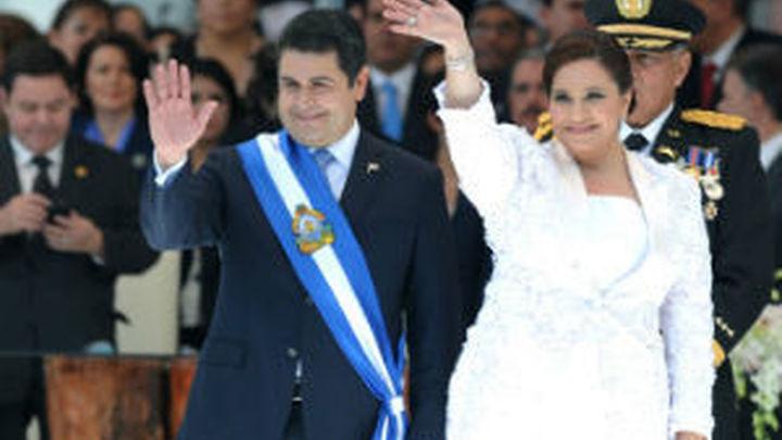 Juan Orlando Hernández asume como nuevo presidente de Honduras