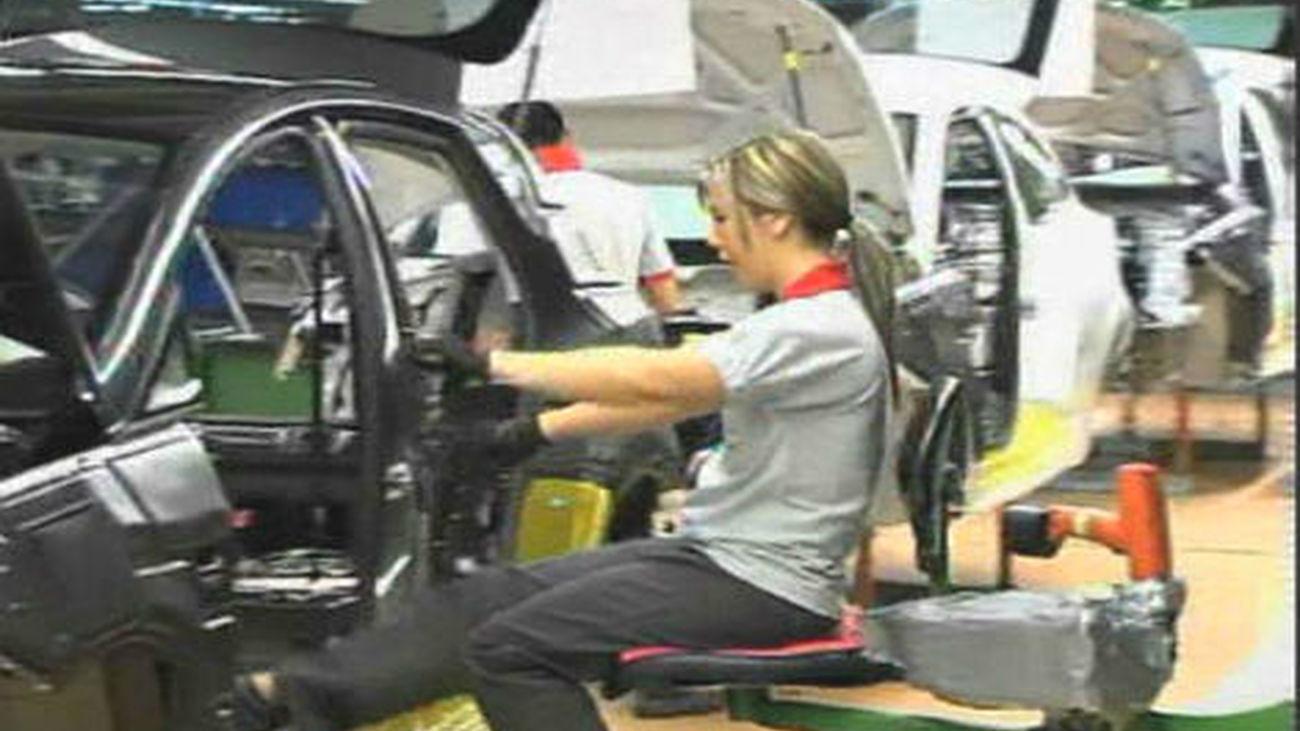 Francia anuncia un plan de ayudas al sector del automóvil de 8.000 millones