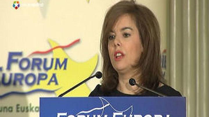 Sáenz de Santamaría dice que el Gobierno trabaja por el consenso en el aborto