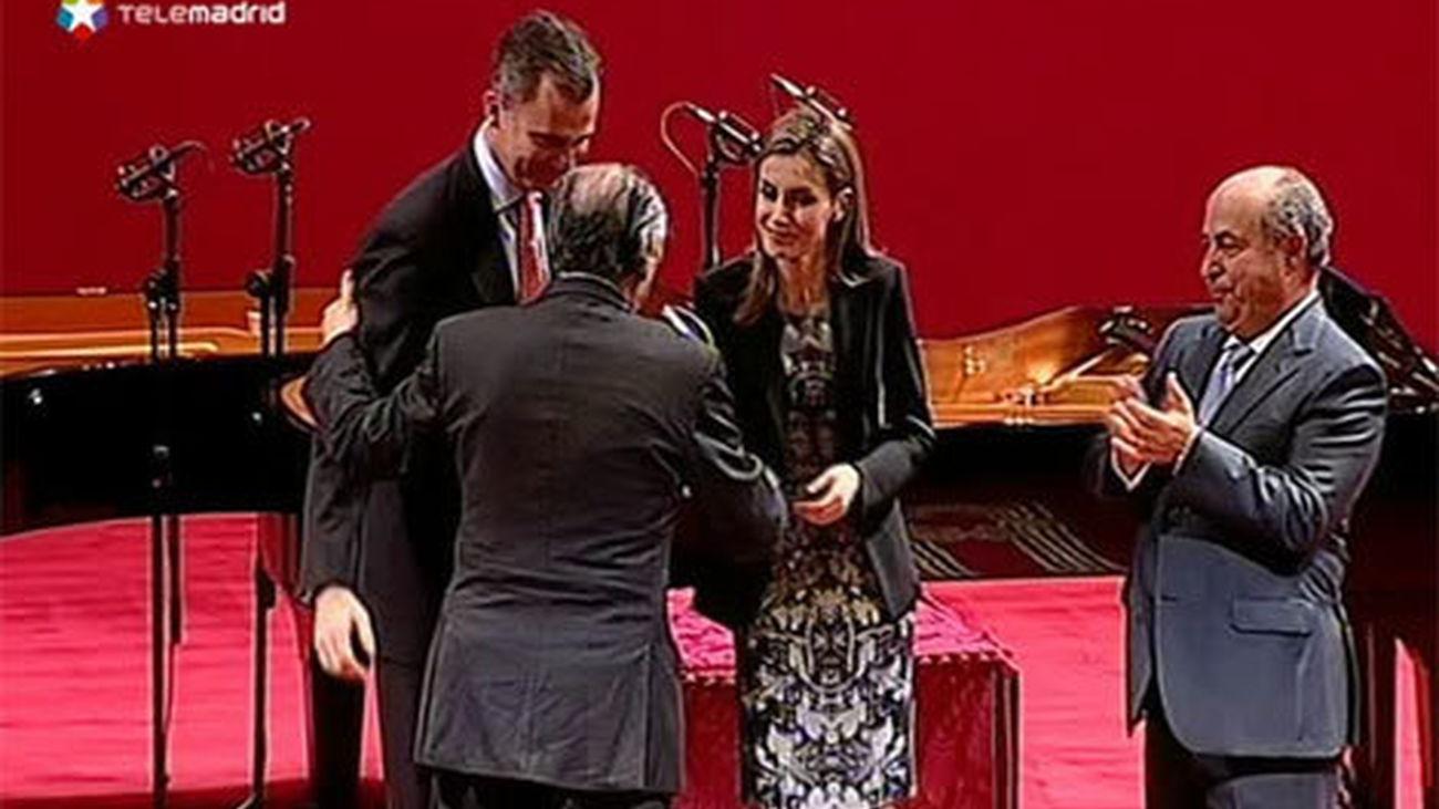 Lizalde recibe del Príncipe el Premio Lorca, que subraya idea iberoamericana