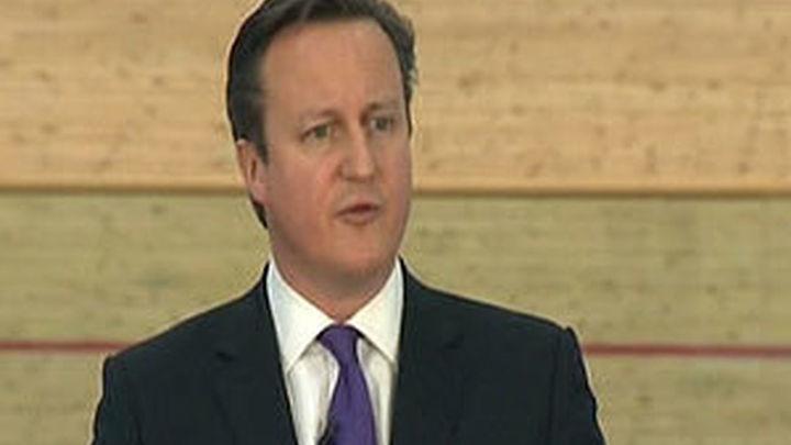 """Cameron: """"Todos los partidos británicos se oponen a Juncker como presidente de la UE"""""""