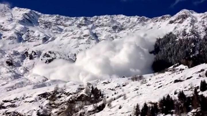 Once provincias del norte peninsular están  en riesgo por avalanchas y fuerte viento