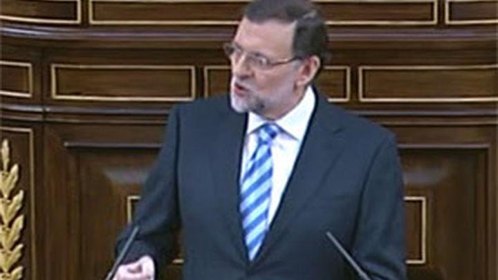 Rajoy rechaza la consulta pero abre la puerta a una reforma de la Constitución