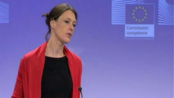Bruselas contradice al Gobierno y niega haber autorizado el céntimo sanitario