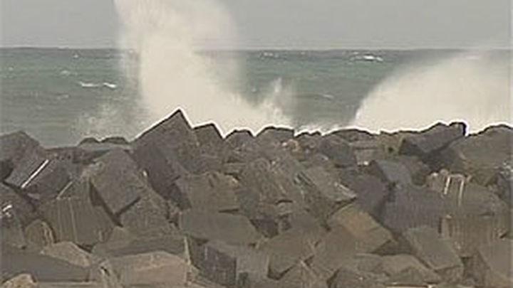 El temporal arrecia y tiene en alerta roja todo el norte peninsular