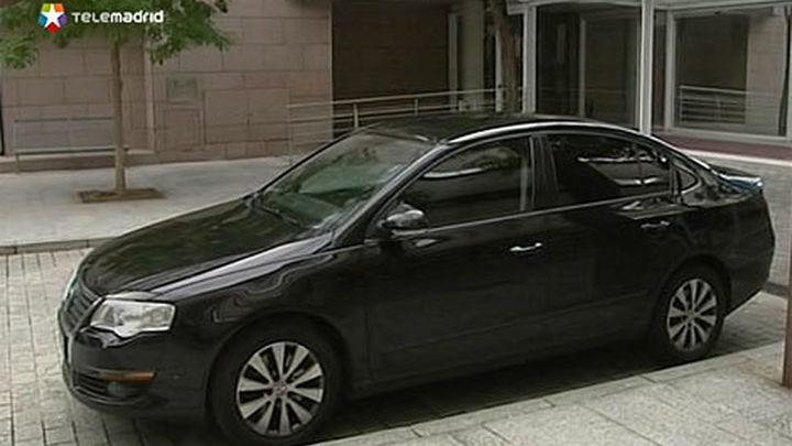La Asamblea de Madrid aprueba otra reducción de su flota de vehículos