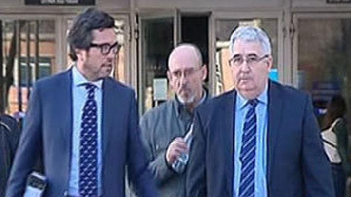 El juez levanta la imputación al exdirector y al jefe de estudios del colegio 'Valdeluz'