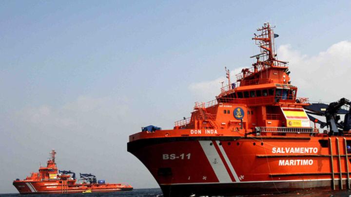 Dos marineros desaparecidos y cuatro a salvo al hundirse un pesquero gallego
