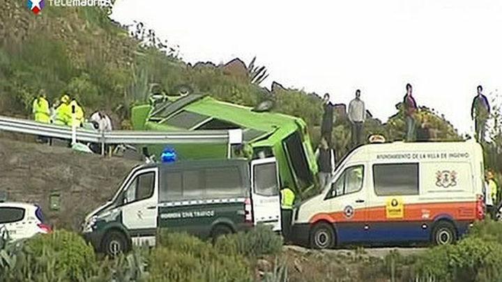 Un muerto y 17 heridos al accidentarse un microbús turístico en Gran Canaria