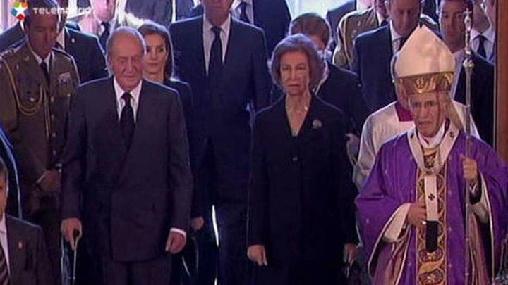 11M: La Familia Real, Gobierno y 150 autoridades arropan a las víctimas