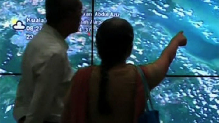 Las autoridades australianas reubican al sur la búsqueda del avión desaparecido