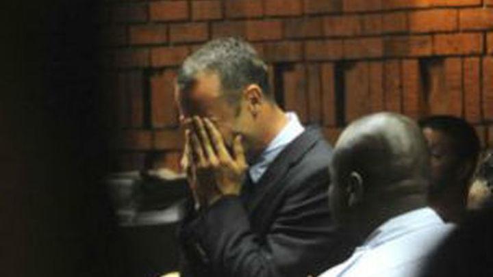Pistorius pide perdón por la muerte de su novia y se escuda en sus problemas