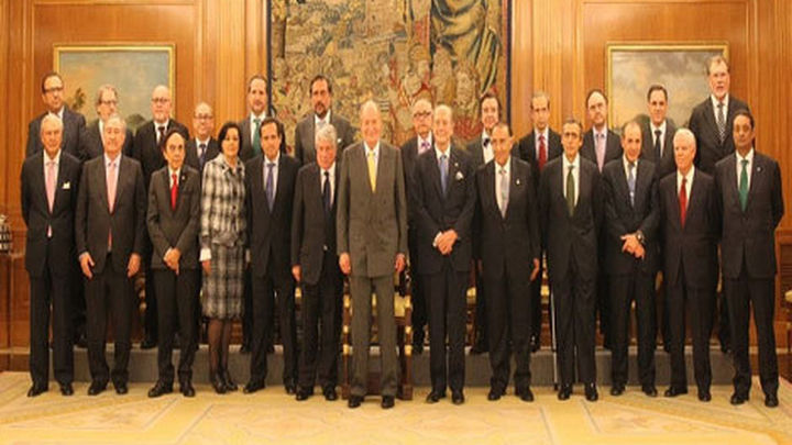 El Rey felicita a Arturo Fernández por su reelección al frente de CEIM