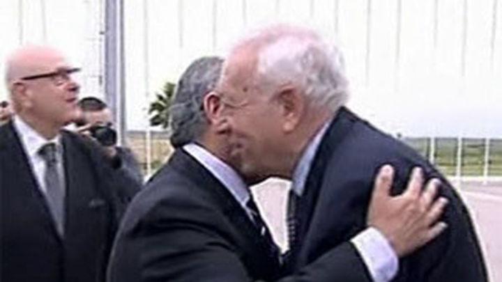 """Margallo destaca que España otorga una """"importancia capital"""" a Argelia"""
