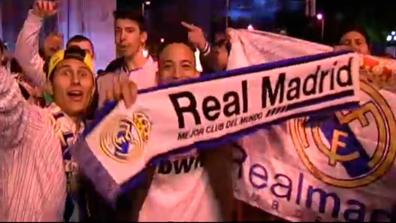 La afición de Real Madrid celebra la Copa en Cibeles